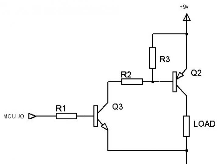 Qual é a diferença entre PNP e NPN ao descrever a conexão de 3 fios de um sensor?